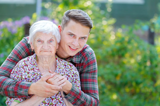 Elder-alzheimers-care